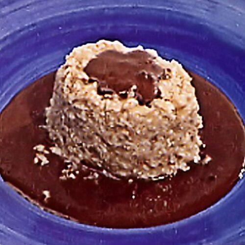 Glace au nougat, sauce amaretto et chocolat