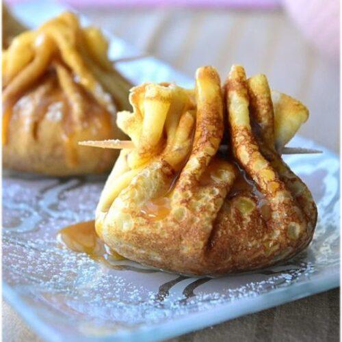 Aumônières de crêpes aux pommes et caramel