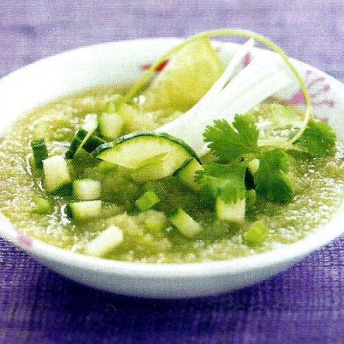 Soupe fraîche de concombre et pomme verte