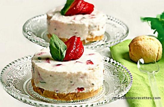Mini-cheesecakes fraises et basilic