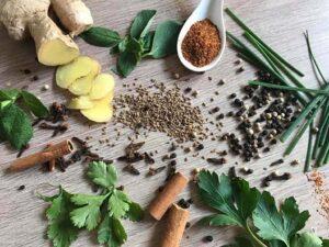 Les bienfaits des épices et des herbes aromatiques